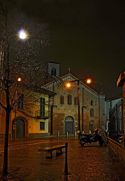 Milano - Chiesa rossa