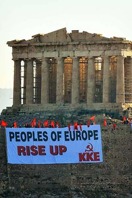 Grecia - Striscione di protesta sotto il Partenone