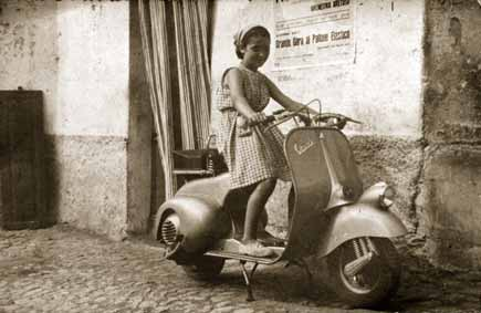 maddalena ragazzina su vespa