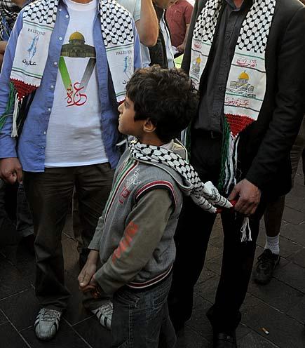 Milano - Manifestazione pro Gaza contro la strage di pacifisti ad opera di Israele