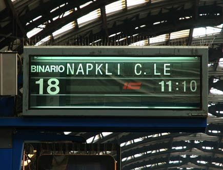 tabellone errato stazione centrale milano