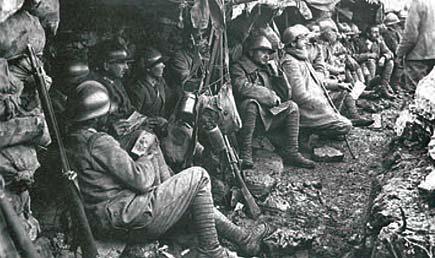 Soldati italiani in una trincea della prima guerra mondiale
