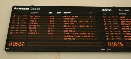 Tabellone dei treni della stazione di Ventimiglia