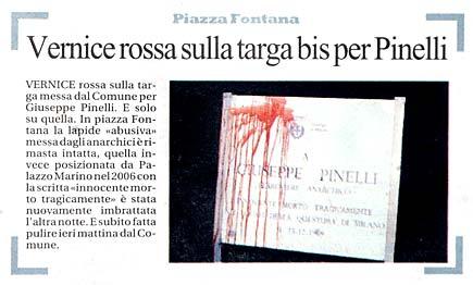 Articolo di Repubblica sulla targa sporcata di Pinelli